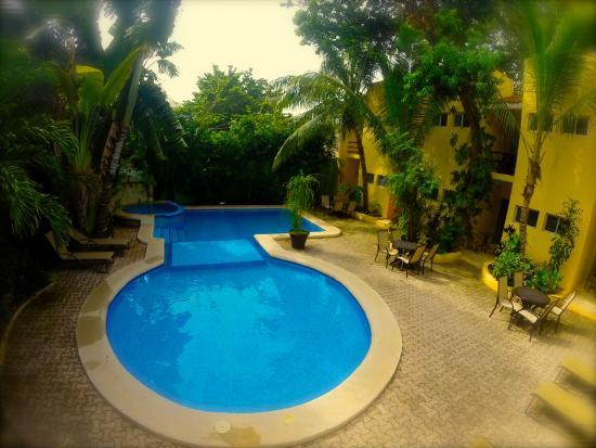 Hotel LunaSol: Pool