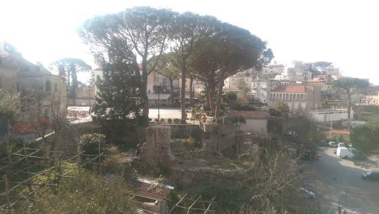 Palazzo della Marra: Dalla stanza si vede la piazza