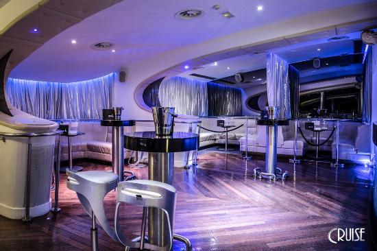 Cruise: Puerto Banus Cocktail Lounge