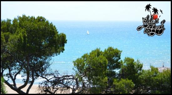 Life is a Beach Barcelona's Uutback Tours - Tour : Navegando a vela por la costa de Garraf
