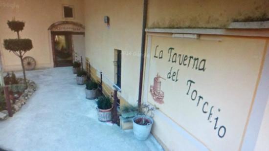 La Taverna Del Torchio: Ingresso locale