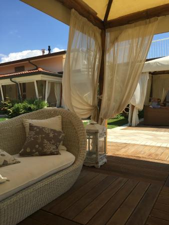 gazebo relax - Picture of Bagno Patrizia, Lido Di Camaiore - TripAdvisor