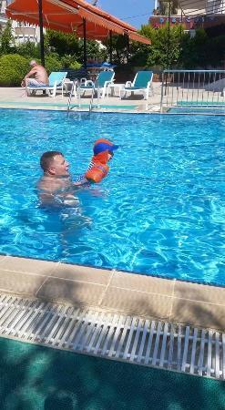 Ekin Hotel: Lovely pool