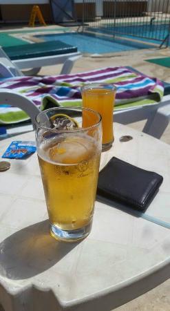 Ekin Hotel: Efes, the local beverage - yum