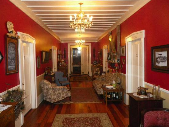 The Steamboat Inn Bed & Breakfast: Grand Hall