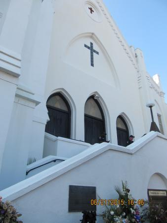 ‪Emanuel African Methodist Episcopal Church‬
