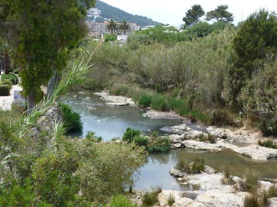 Apartamentos Atlas: El entorno del riu Santa Eulalia