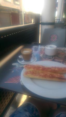 Restaurante Sancho Panza: breakfast time!