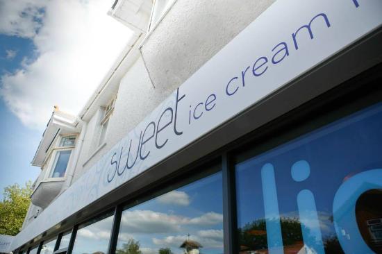 Sweet Ice Cream Lounge