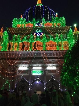 Dewa Shareef Dargah