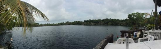 Restaurante Cenote Azul: Panoramica Cenote