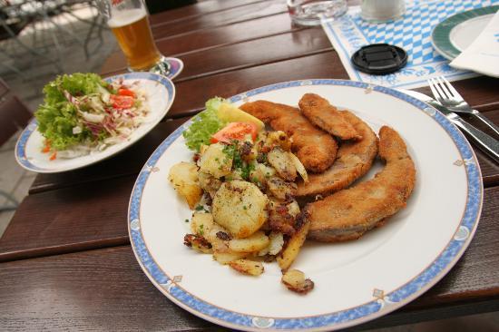 Gasthof Hotel Seehof: .....gebackene Schweinszunge (war in Ordnung)