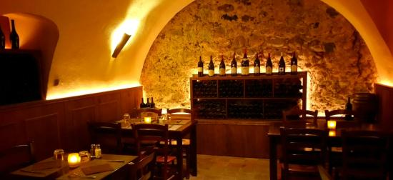 cave vin picture of restaurant a volta ghisonaccia. Black Bedroom Furniture Sets. Home Design Ideas