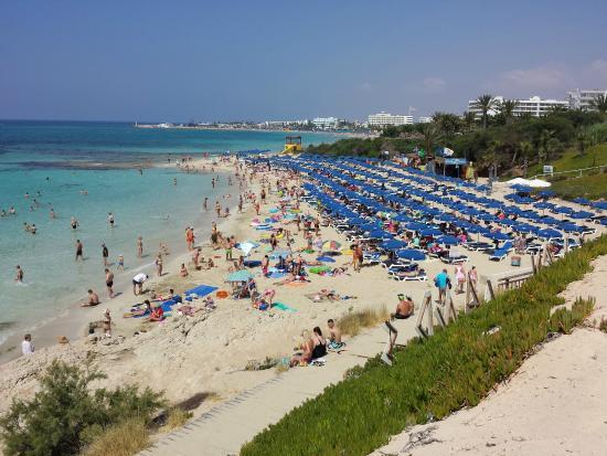 Grecian Sands Hotel: пляж