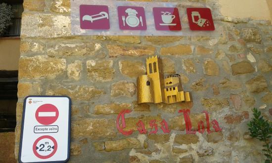 Casa Lola : Outside the hotel