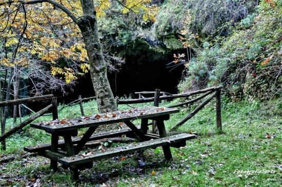 Province of Chieti, Italie: La Grotta del Colle (sito archeologico)
