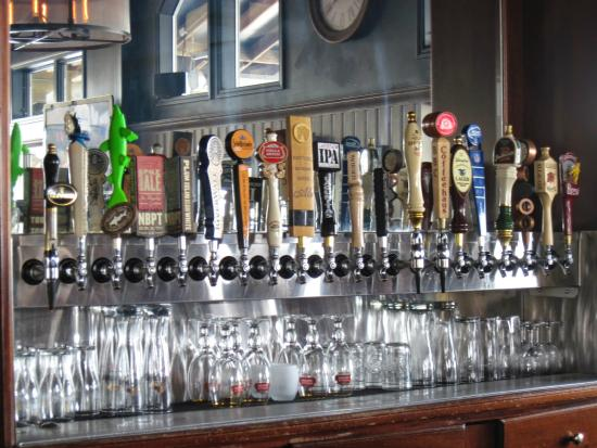 Black Cow Tap & Grill : Beer on tap