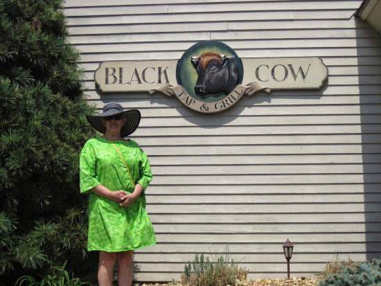 Black Cow Tap & Grill : Me infront of the Sign