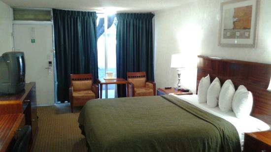 Green Tree Inn & Extended Stay Suites, Victorville, CA