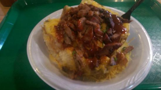 Midway Barbeque: Love the BBQ Baked Potatoes!