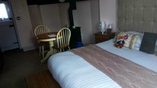 Mug House Inn: Room