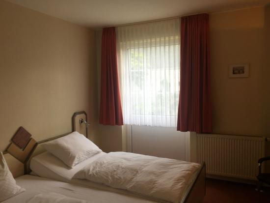 Nickenich, Niemcy: Zimmer