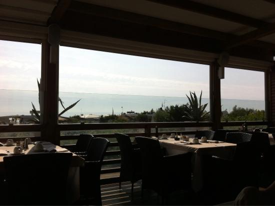 Rouge Hotel International: Terrazza colazione/ jr suite
