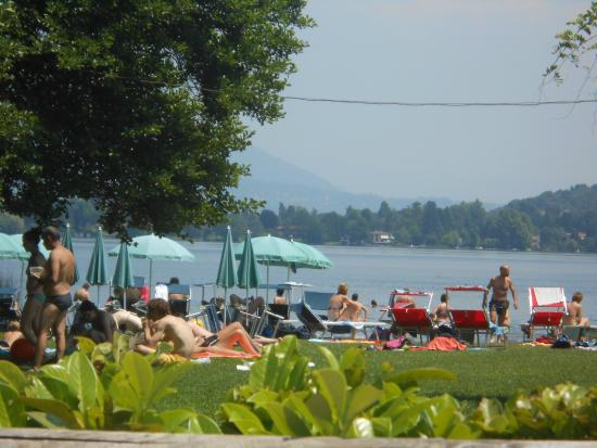 Lago di monate foto di lago di monate travedona monate for Lago vicino milano