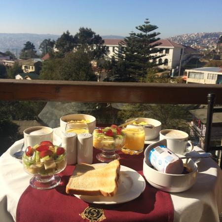 Hotel Boutique Sutherland House: Desayuno en la terreza