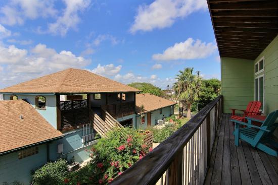 Balinese wellness spa and yoga retreat port aransas tx for Health spa retreats texas