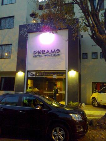 Dreams Hotel Boutique: vista fachada del hotel