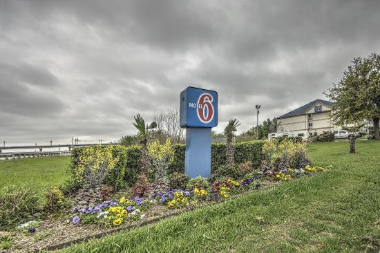 Motel 6 Dallas Northwest : Exterior