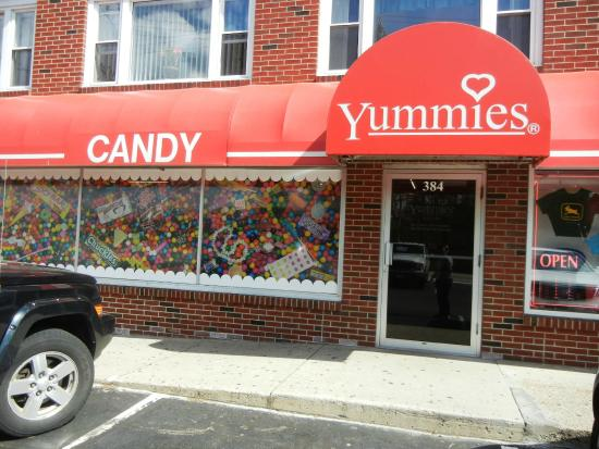 Yummies Candy and Nuts