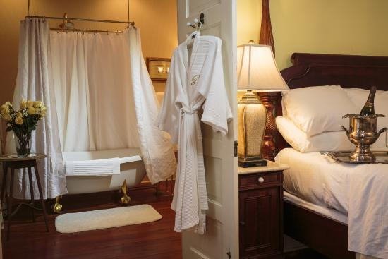 The Gastonian - A Boutique Inn: Guest Room at The Gastonian
