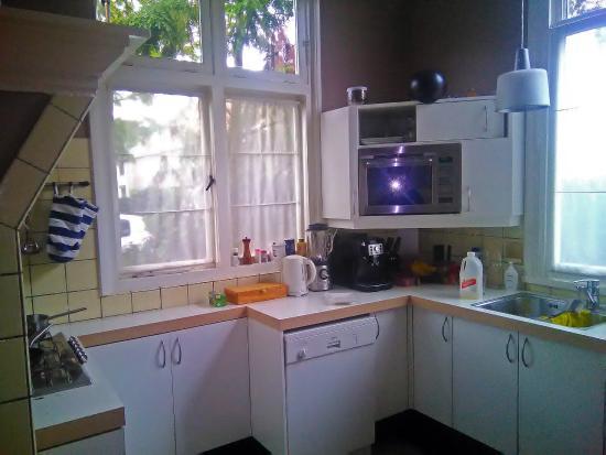 Juliana Bed & Breakfast: kitchen