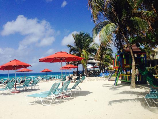 Royal Islander Club La Plage: Pool/Beach Area