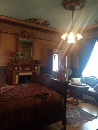 Manderley Bed and Breakfast: Bessie's room