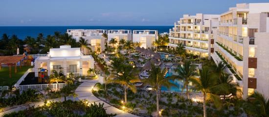 Beloved Playa Mujeres: Overview