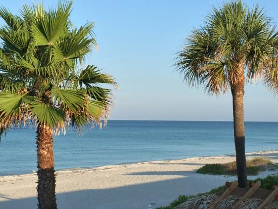 Foto The Diplomat Condominium Beach Resort