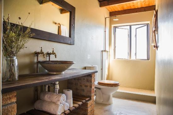 Wolfkop Nature Reserve: Bathroom in Harpuis house