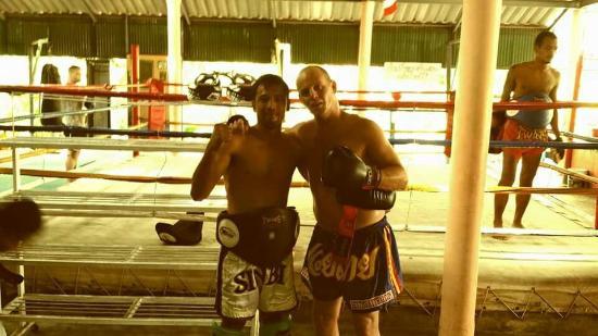 สุวิท มวยไทย เทรนนิ่ง แคมป์ แอนด์ จิม: Suwit Muay Thai Training Camp & Gym