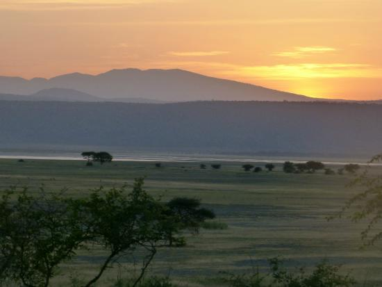 Rift Valley Photographic Lodge: View from the front of the lodge