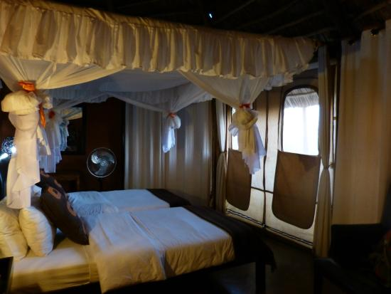 Rift Valley Photographic Lodge: Beds
