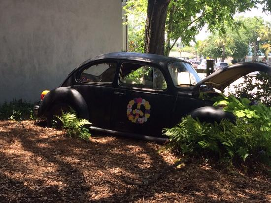 Volkswagen Mt Pleasant >> Peace Out In The Yard Along With A Tire Swing Tables And