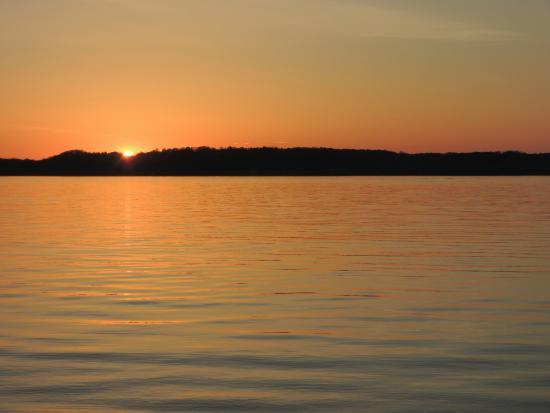 เบลแลร์, มิชิแกน: Sunset on torch