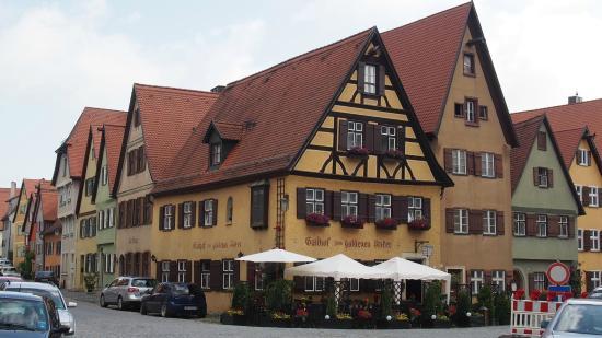 Zum Goldenen Anker: Gasthof from the street