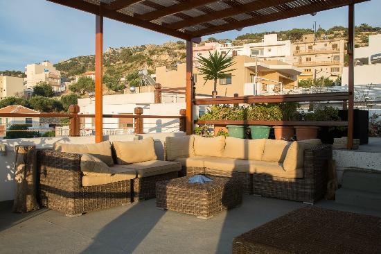 Odyssey Hotel Apartments: Roof garden