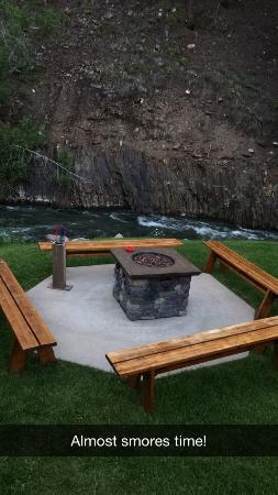 Deadwood Gulch Gaming Resort: Back deck with firepit