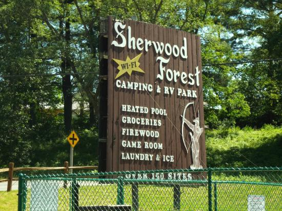 Sherwood Forest Camping & RV Park: Campground sign