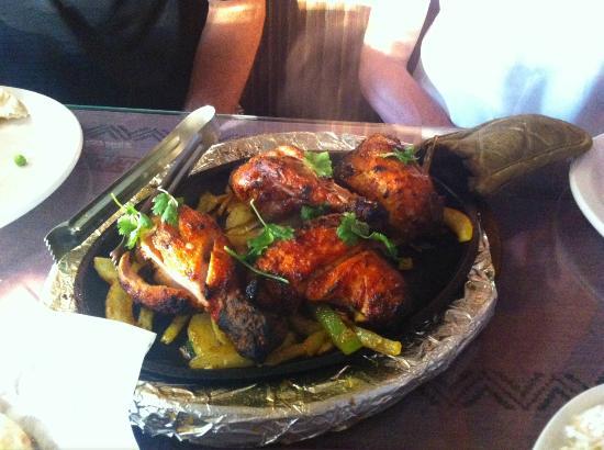 Everest Restaurant: Tandori Chicken
